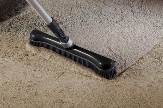 Fejekost med statisk gummi - støv og sandkorn