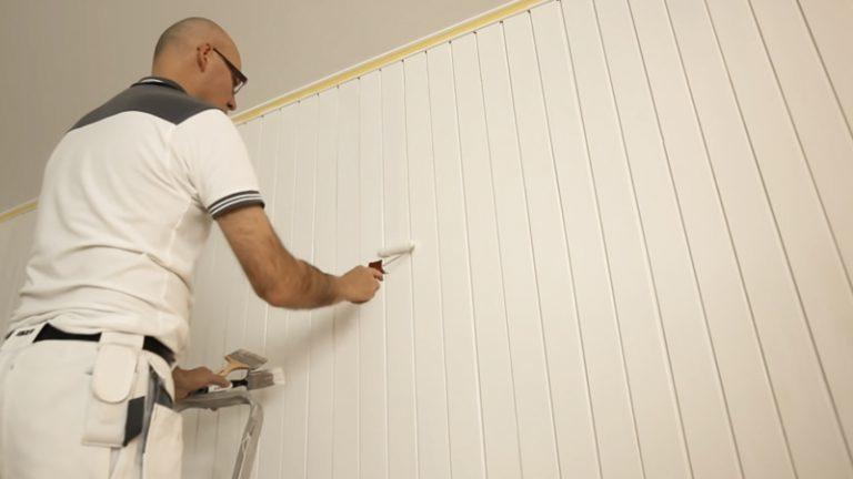 Maling af panelvæg