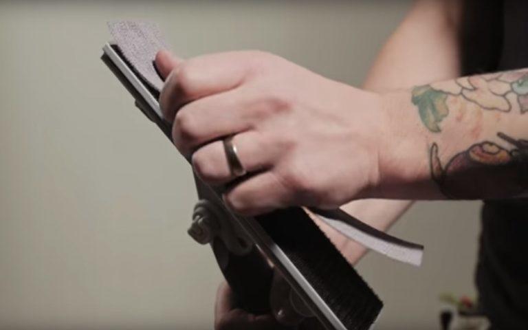 Slibepapir med velcro på slibeværktøj